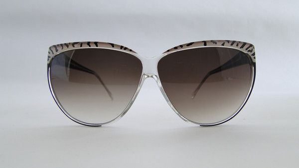 Piave 270 Black/Striped Ivory Sunglasses. Classic black/striped ivory sunglasses from 80s by Piave. #vintage #vintagefashion #vintageframes #eyeglasses #sunglasses #vintagesunglasses #vintageeyeglasses #piave