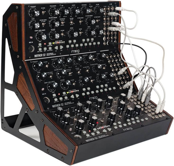 MOOG Mother-32 Semi-Modular Synthesizer REVIEW