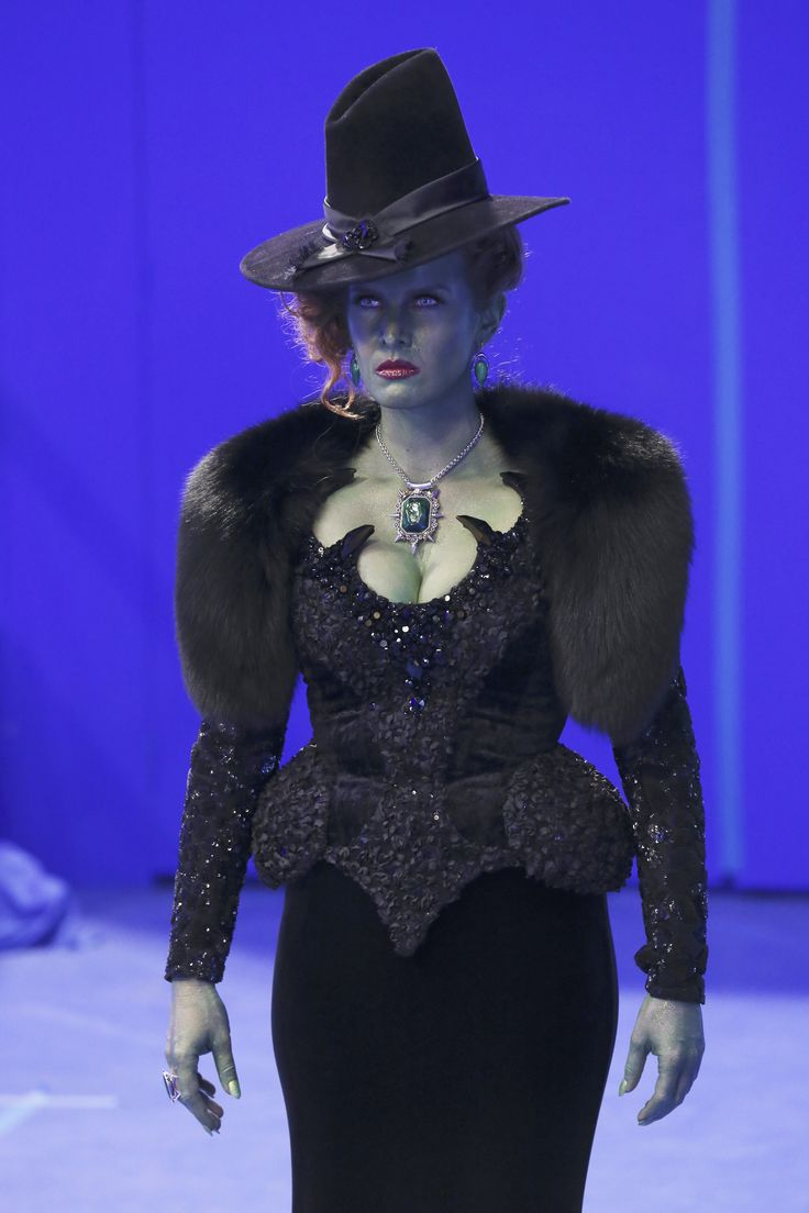94 best images about Once Upon a Time Costumes on ...