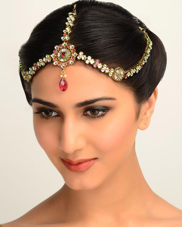 Kalau kamu salah satu penggemar India terutama artis wanita, kamu pasti akan melihat jenis-jenis aksesoris yang sering dipakai oleh mereka.