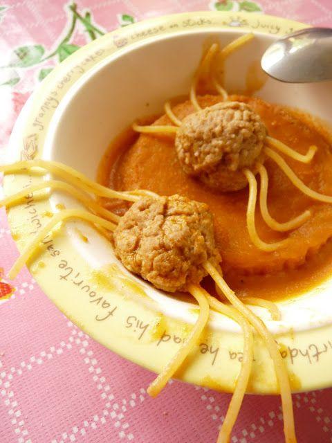 Spinnensoep (pompoen/ tomatensoep)
