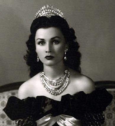 Princess Fawzia of Iran.. She was the daughter of King Fuad and sister of King Farouk, and was married to the Shah of Iran. This matching suite of diamonds comprising tiara, earrings and necklace was made for her by Van Cleef and Arpels. Photo source: TRF