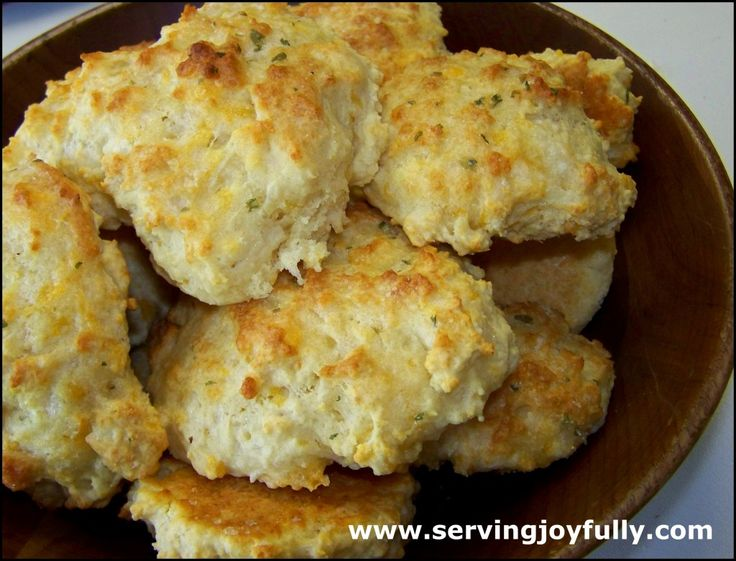 Garlic Cheddar Biscuits {like Red Lobster!} By: Serving Joyfully
