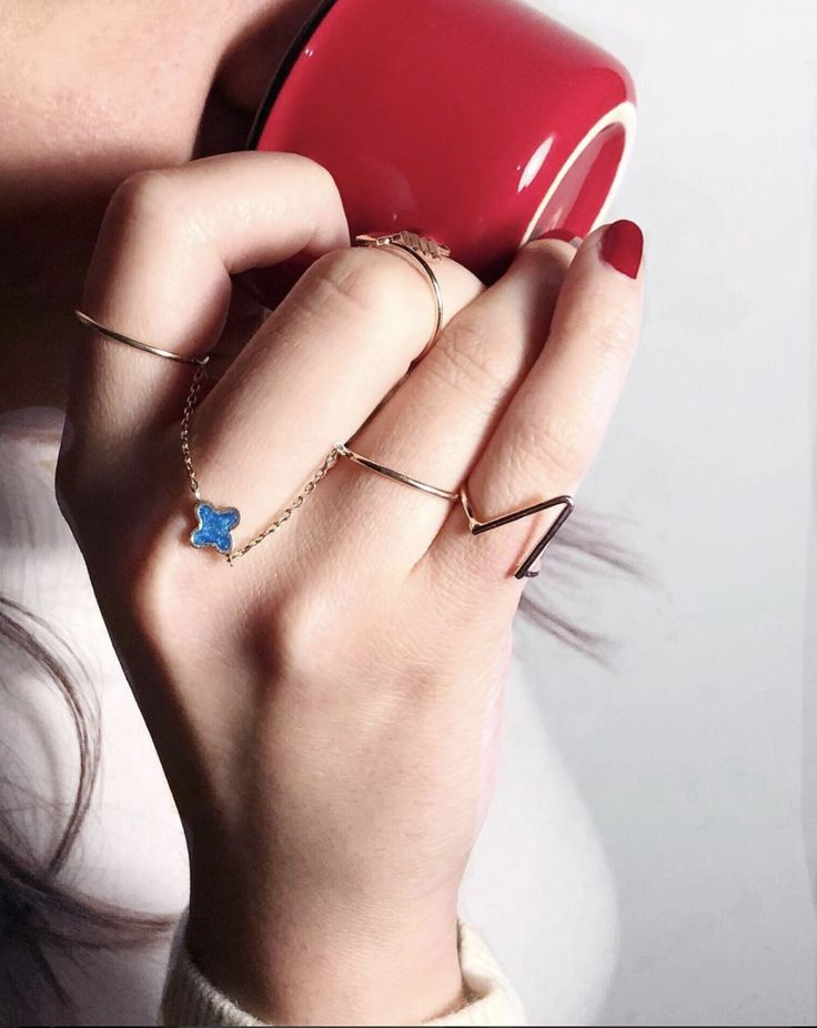 Make an unspoken statement with our beautiful rings every time you sip your coffee 💎☕️