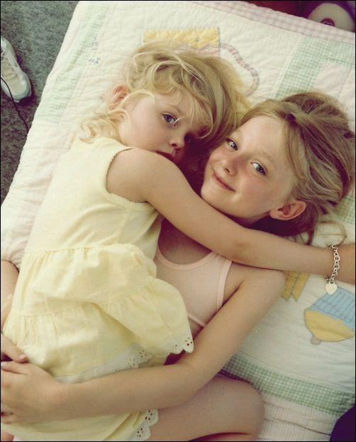 Elle & Dakota Fanning