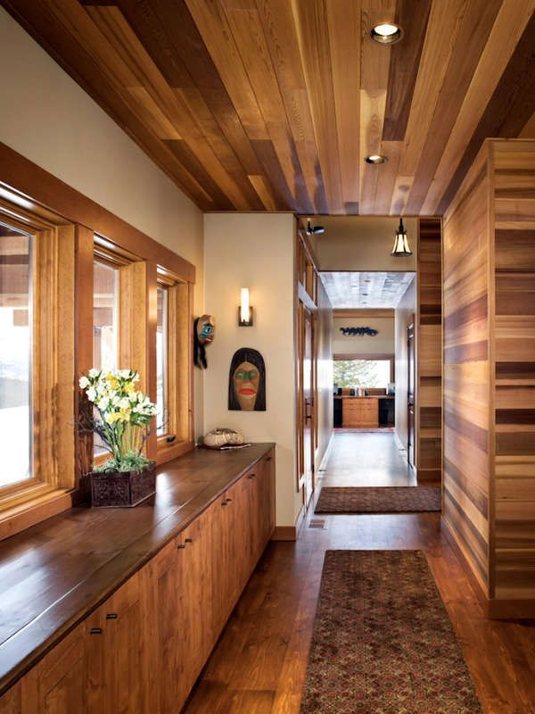 11 Breathtaking Ideas For A Wood Ceiling Mountain Home Interiors Wood Ceilings Hallway Designs