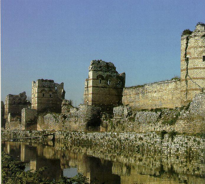 Ttheodosian walls, constantinople