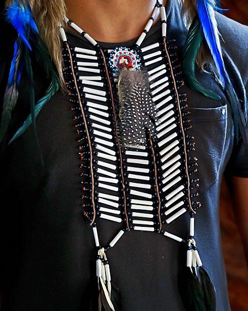 Black Native American Choker Indian Costume - $39
