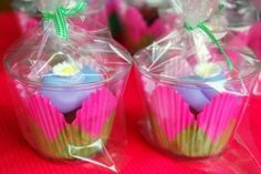 Adorable cupcakes-to-go