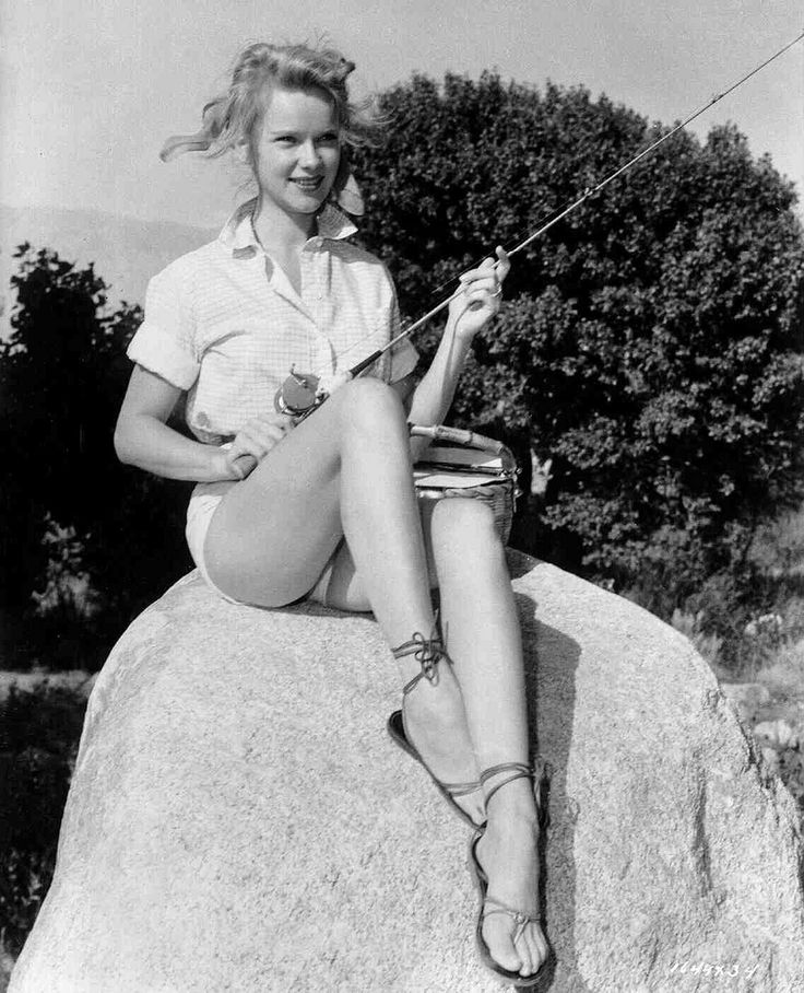 A Collection of 60 Beautiful Vintage Photos of Anne Francis in the 1950s