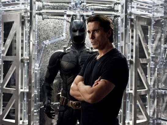 Christian Bale Batman Body   Christian Bale shirtless in Reign Of Fire
