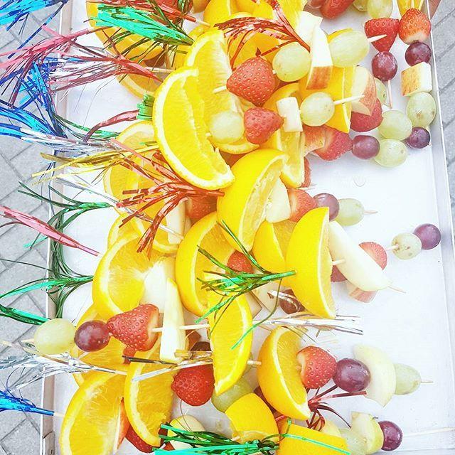 [ h e a l t h y  s n a c k s ] 💛 Intro dagen van de brugklassen helemaal in festivalstijl incl heerlijke hapjes🍴 #juniorfestival #instafood #food #feedme #fruit #fresh #healthy #school #teacher #teacherlife #festival #introductiedagen