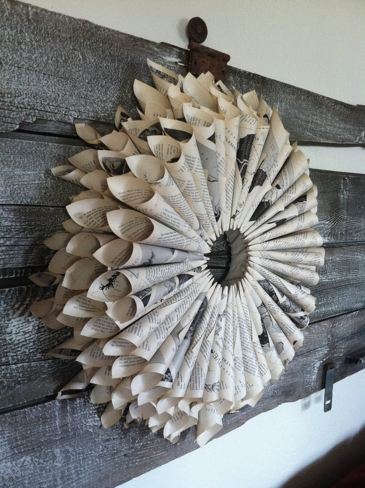 rolled paper wreath | Craft Ideas | Pinterest