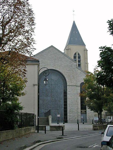 La cathédrale Sainte-Geneviève - Saint-Maurice de Nanterre est l'ancienne église paroissiale de la ville de Nanterre (actuel département des Hauts-de-Seine) érigée en cathédrale à la suite de la création du diocèse de Nanterre le 9 octobre 1966