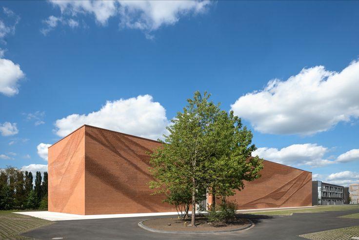 Im Klinkerschleier - Verwaltungsgebäude in Münster von behet bondzio lin architekten