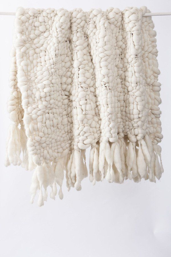 Big Cloud Queen Blanket - Handspun Pure Merino Wool – NURAXI