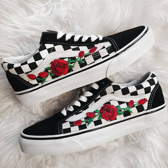 Rose Buds Checkered Unisex Custom Rose Embroidered-Patch Vans Old-Skool Sneakers Mens and Womens Size Available (Please choose your size carefully - listing is in US sizing.) They are genuine Vans Sneakers that are customized by hand. Price shown is the TOTAL PRICE INCLUDING THE
