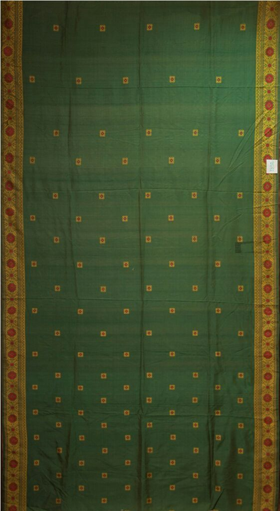 A Masterpiece In Green reflecting the evergreen beauty of these weaves