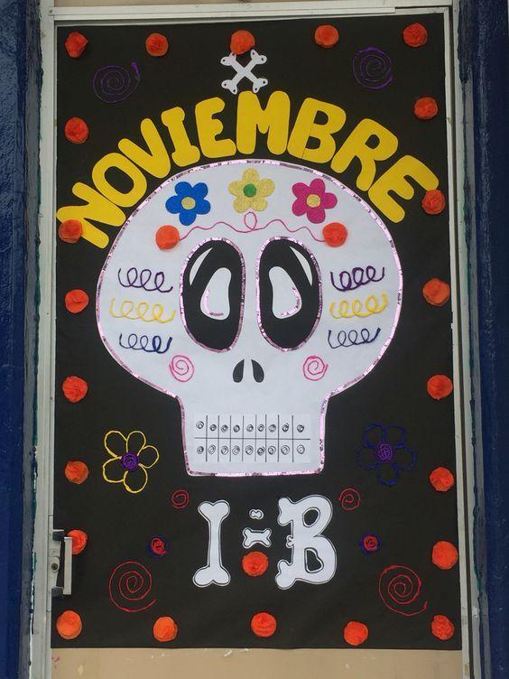 Puerta decorada de día de muertos, noviembre. Calavera