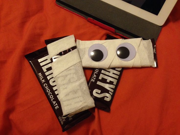 Dressing up Hershey bars for Halloween care package