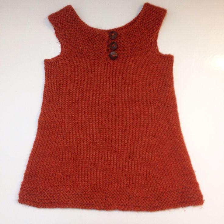 Enkel Tunika from Pickles is one of the most used knitted garments in my daughters wardrobe. http://www.pickles.no/enkel-tunika/