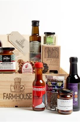 Farmhouse Selection Hamper. Now you can taste a selection of Farmhouse Producers amazing produce or to send as a gift to a loved one. These also make terrific corporate gifts! #FarmhouseAU #hamper #chocolate #relish #tea #almonds #walnuts #herbs #foodie
