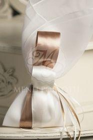 Μένη Ρογκότη - Μπομπονιέρα γάμου μαντήλι με διπλή σατέν κορδέλα