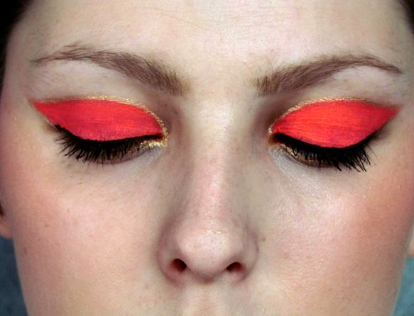 Jak rozzářit černý outfit / Neonově oranžové líčení / Neon Orange Makeup Tutorial http://getthelouk.com/?p=1780