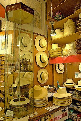 Hat Shop in San Juan, Puerto Rico....q abuelo no tenia o tiene uno?!! el mio tenia uno para cada ocacion!!