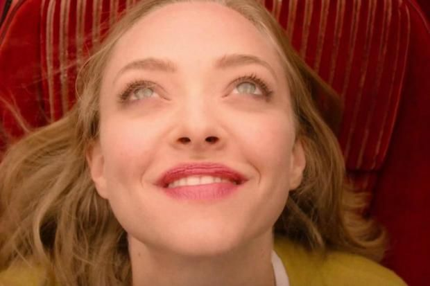 I Love How You Love Me by the Paris Sisters. Amanda Seyfried joins the Twin Peaks cast as Becky Burnett