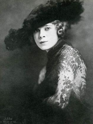 VAUDEVILLE: Mae West, 1920 | Historical Ziegfeld Group