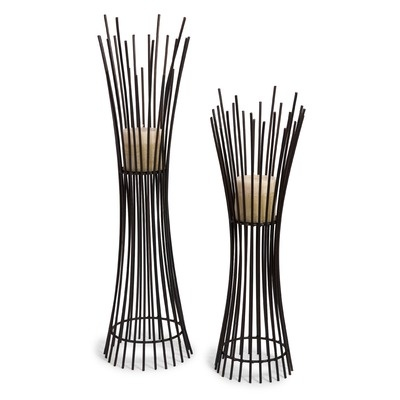We love the look of these wrought iron tealight candle holders!