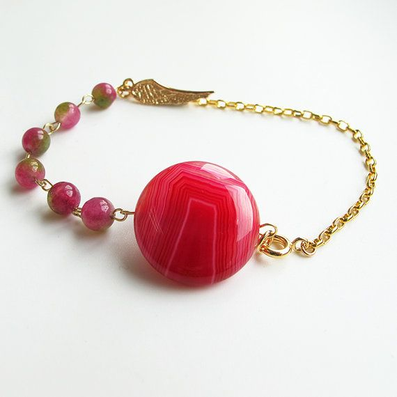 Natural magenta agate and watermelon jade bracelet, 24 K gold plated chain and wing charm, candy color gemstone delicate bracelet #christmas #xmas #halloween #highquality #affordable #freeshipping #bead #beads #gem #gems #gemstone #gemstones #jewelry #jewellery #jewelrymaking #jewelrysupplies #jewelrysupply #etsy #farragem #design #designer #handcrafted #handmade #ring #necklace #earrings #bracelet #pendant