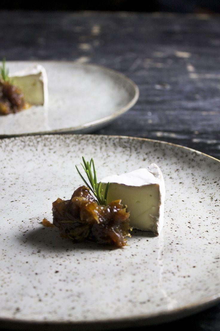 Daddelkompot med rosmarin // Cheese, dates and rosemary