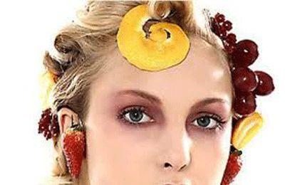 http://www.leichic.it/bellezza-donna/trattamenti-alla-frutta-per-capelli-danneggiati-soprattutto-in-estate-20933.html