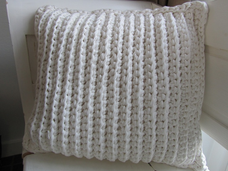 Knitting Patterns For Zpagetti Yarn : 1000+ images about zpagetti haken on Pinterest Glass ...