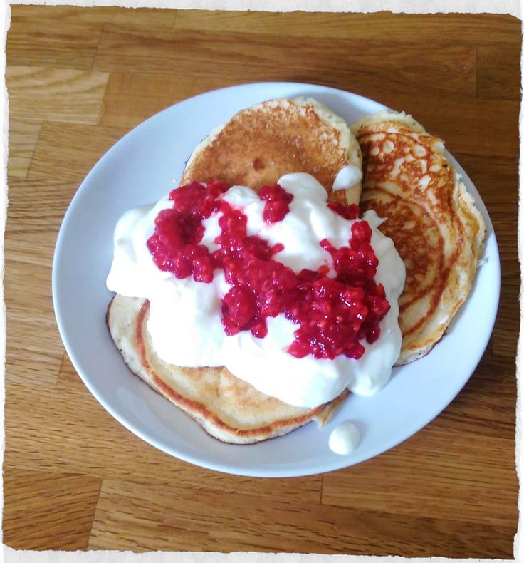 Delicious pancakes made with ground almond instead of flour. High protein, low carb and gluten free. Great for gestational diabetes.