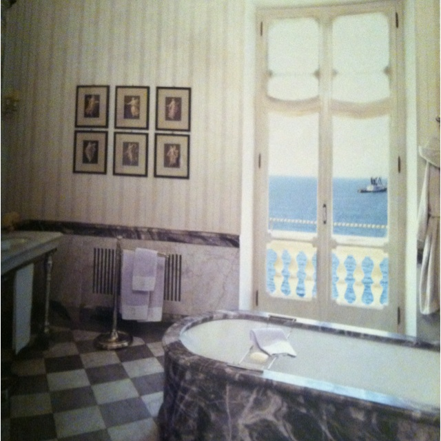 Love this bathroom except for the grey marble tub | Future home ...