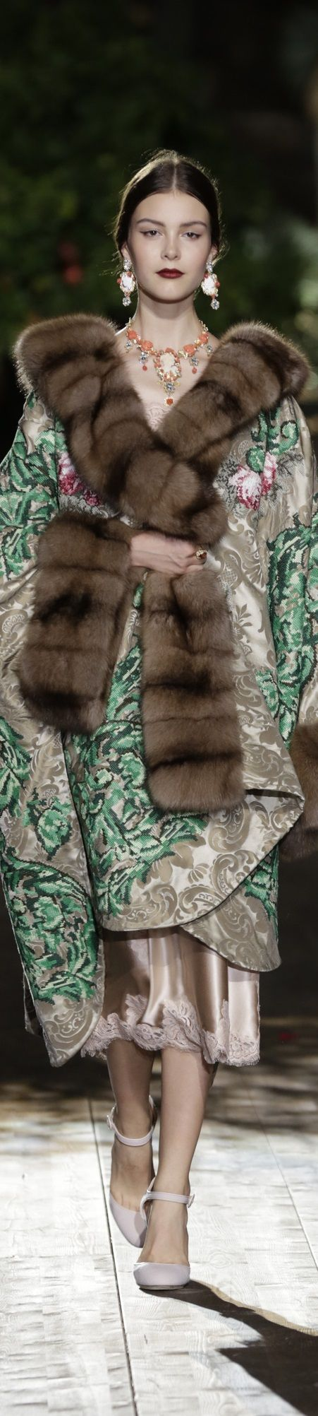Dolce & Gabbana Alta Moda Fall 2015 couture: