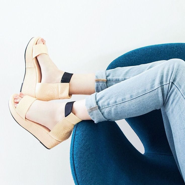 I don't compromise! Elevating my shoe #summerstyle with these Honey Platform Sandals from @sevenallaround! And they are super comfortable! Ready to brave the LA heat wave! #sevenallaround