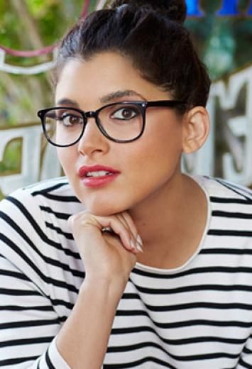 Lookbook naiset | Specsavers Optikko