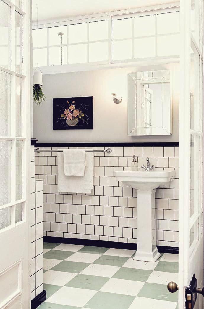 70 best images about art deco bathroom on pinterest green tiles art deco bathroom and art deco - Deco badkamer vintage ...