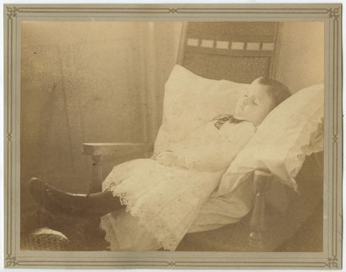POSTMORTEM-IMAGE-OF-YOUNG-CHILD-8X10-VINTAGE-PHOTO