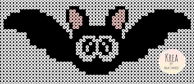 Den søde flgermus laves på to kvadratiske plader, sørg for den laves præcis i midten af pladen. Sort: 207-18 Hvid: 207-01 Rosa: 207-26