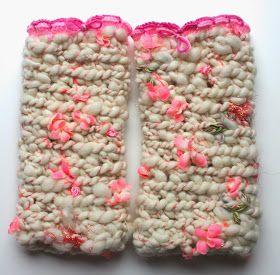 Haken bij Saar en Mien: Knit collage gehaakte polswarmers