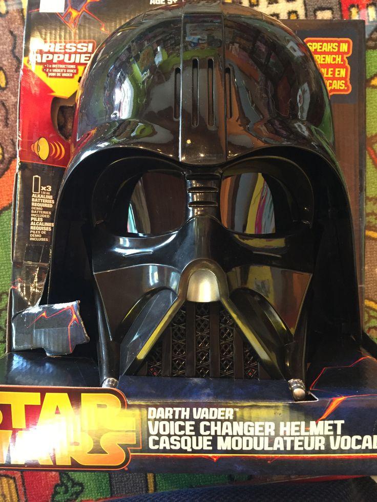 Hasbro Masque Casque modulateur vocal de Darth Vader Star wars, 5+ans, 39.99$, Disponible dans la boutique St-Sauveur (Laurentides) Boîte à Surprises, ou en ligne sur www.laboiteasurpr... sur notre catalogue de jouets en ligne, Livraison possible dans tout le Québec($) 450-240-0007 info@laboiteasurp