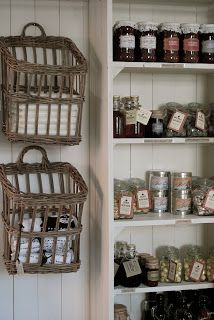 love the wall baskets
