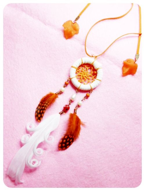 ominotago, my favourite necklace..white and orange, what a nice mix! right? FYI, I sell it too..IDR 75000. Feel free to order ^^