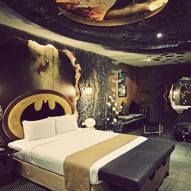 Coral And Black Bedroom Silver Carpet Bedroom Bedroom Decor Mirror Black And White Themed Bedroom Decorating Ideas: 17 Best Ideas About Movie Themed Rooms On Pinterest