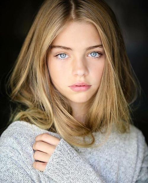 Weiblich Hellbraune Haare Blau Graue Augen | Blonde hair girl, Blonde hair blue eyes, Model